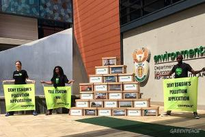Greenpeace10